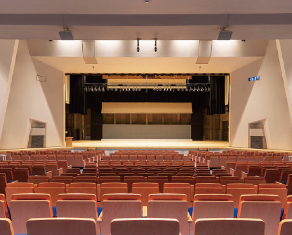 岩国市民文化会館